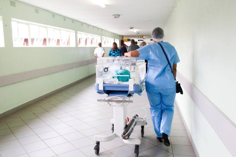 ospedale incubatrice